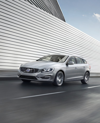 Do your own #wagonspotting and check out the all new Volvo V60 wagon. #ad #client