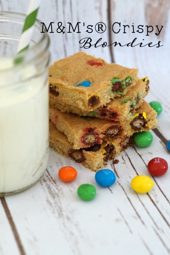 M&M's® Crispy are back and are the perfect mix-in for this easy blondies recipe. #CrispyIsBack #ad