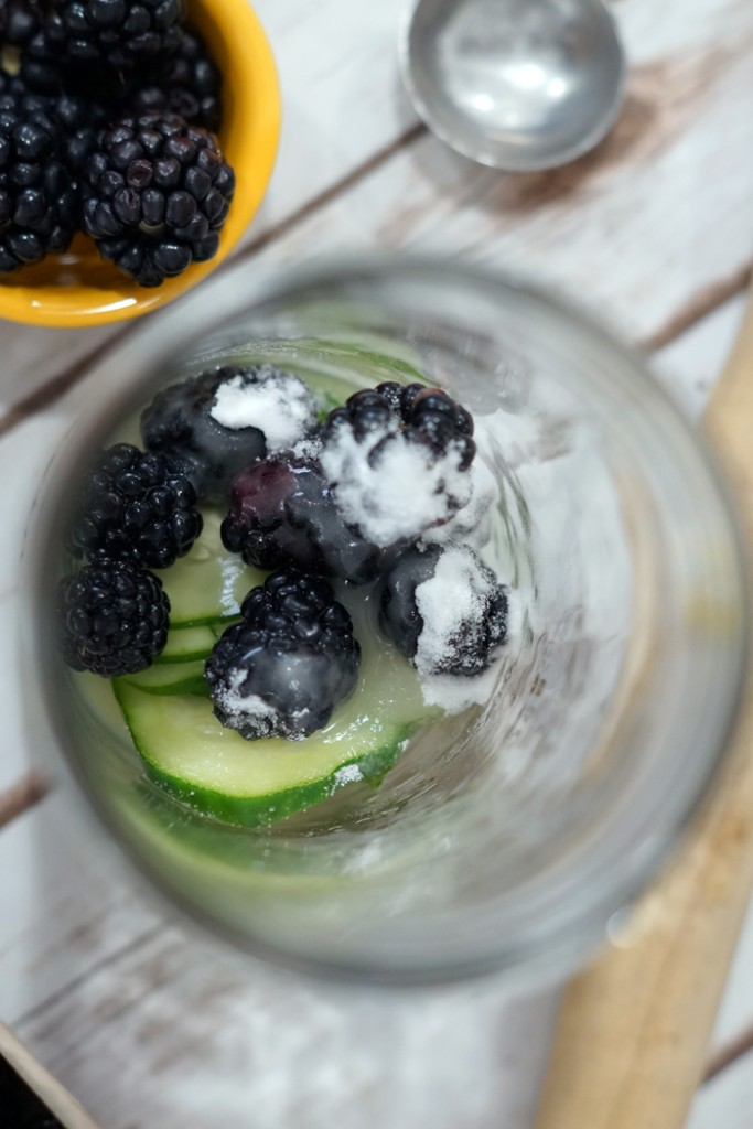 Keep your kitchen #NaturallyClean while making this simple Cucumber Blackberry Sparkler. Perfect for summer parties and celebrations. #ad