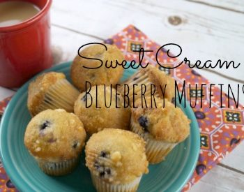 These delicious Sweet Cream Blueberry Muffins will add a #SplashOfDelight to your day! This recipe is so easy, make some today! #ad