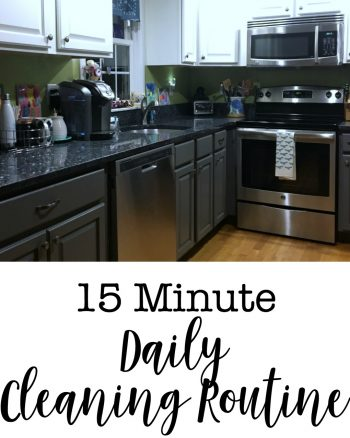 Get organized and save time with this 15 Minute Daily Cleaning Routine! Click through to check out this easy daily cleaning routine!